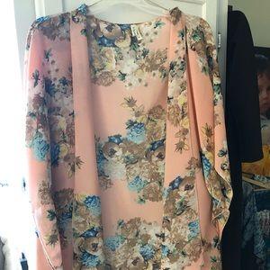 Sweaters - Pink floral Kimono